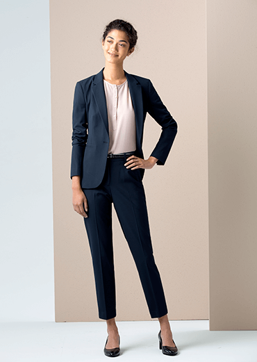 Oaks women suiting
